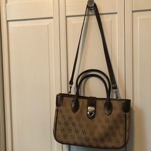 Dooney & Bourke shoulder bag/crossbody
